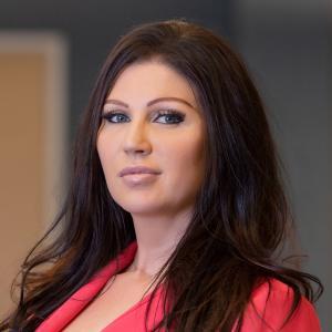 Amanda Schnettler, Client Advocate, Risk Management + Personal Insurance